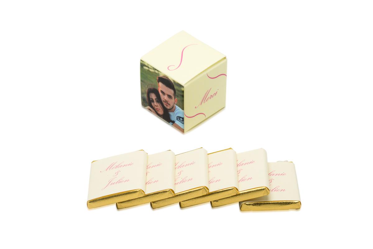 cube simple de 6 chocolats personnalisés bicolore liserés