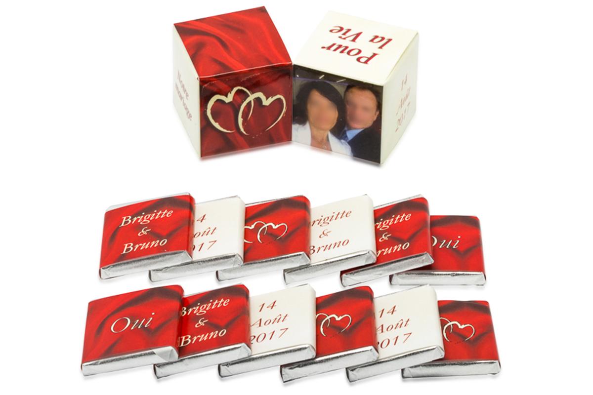 double cube 12 chocolats personnalisés ivoirs et bordeaux