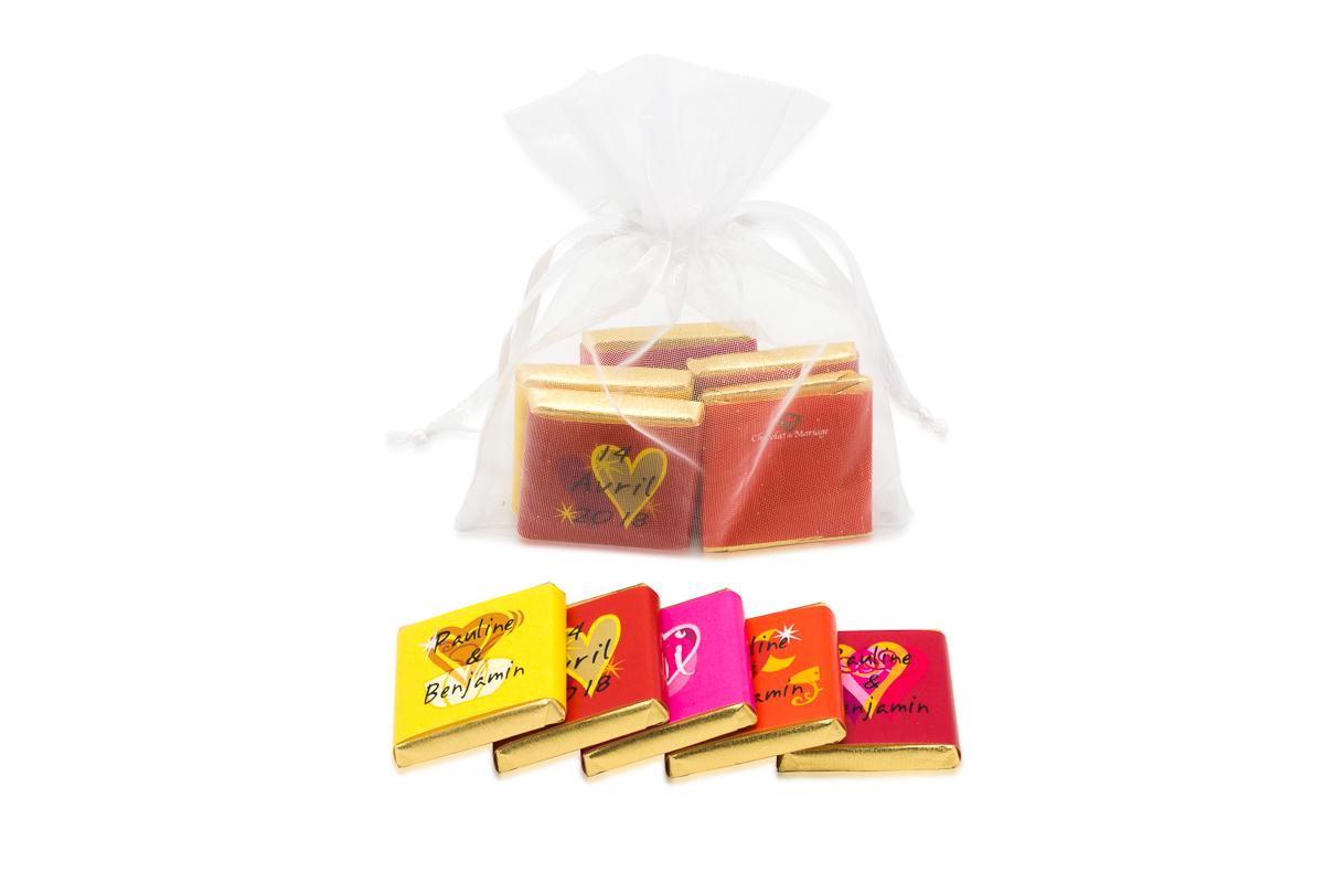 Sachet organza remplis de 5 chocolats personnalisés Thème tendance