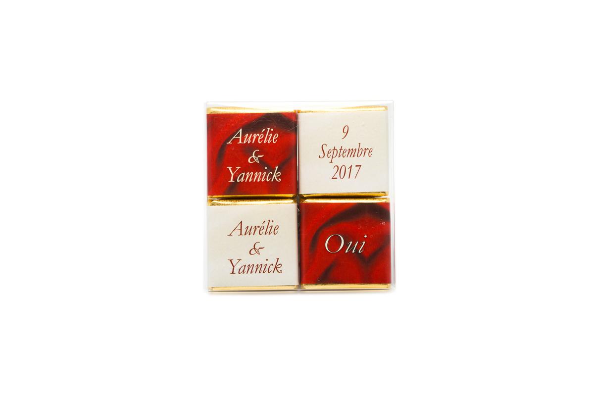 pochette de 4 chocolats personnalisés thème ivoire et bordeaux